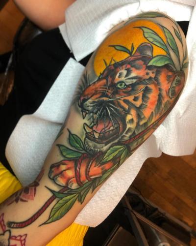 Neotraditional-Color-Tattoo-Tiger-Bodine-Ester-Abramov-Amsterdam
