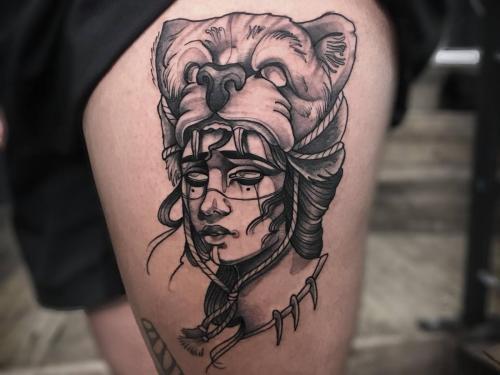 Gyspygirl-tattoo-gipsygirltattoo-girl-with-bear-on-head
