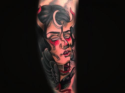 Neotraditional-Lady-demon-female-devil-bodine-ester-tattooshop-amsterdam