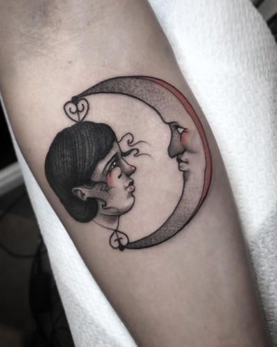 Moon-tattoo-amsterdam-tattooshop