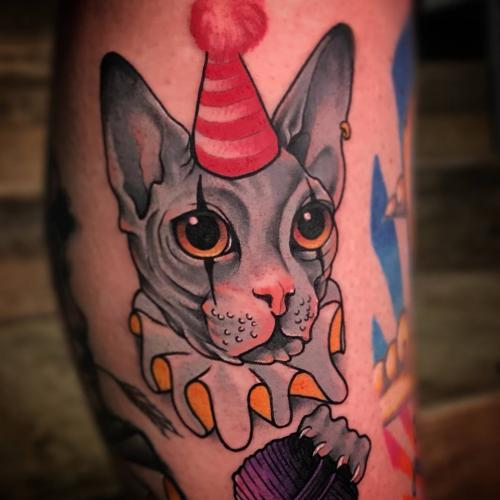 Neotrad-sphynx-sphynxcat-tattoo-clown-outfit