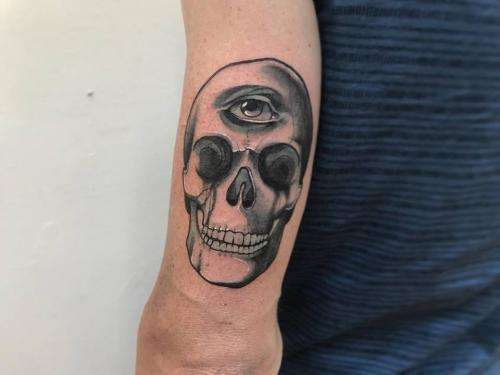Skull-with-third-eye-tattoo